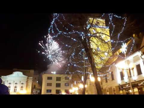 VIDEO: Trblietal sa nad Trnavou. Detský ohňostroj na Trojičnom námestí