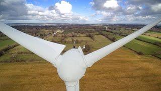 Inspection de pales d'éoliennes à Méautis (Manche, Normandie)