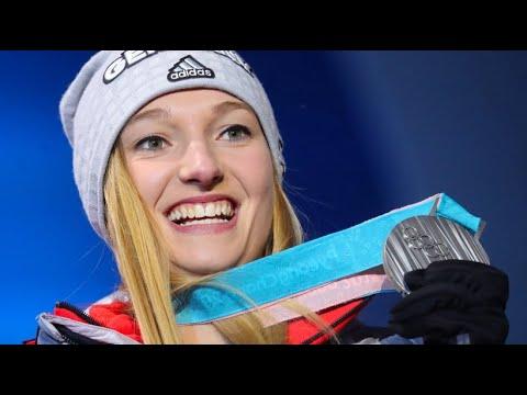 Erfolg für Skispringerinnen: Katharina Althaus holt S ...