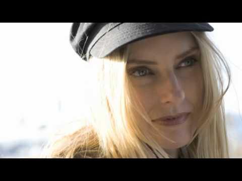 Tekst piosenki Aimee Mann - Voices Carry po polsku