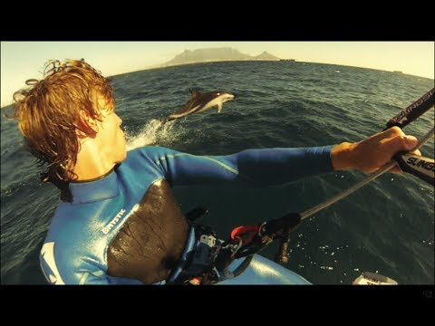 Kitesurfing surrounded by dolphins in Cape Town!