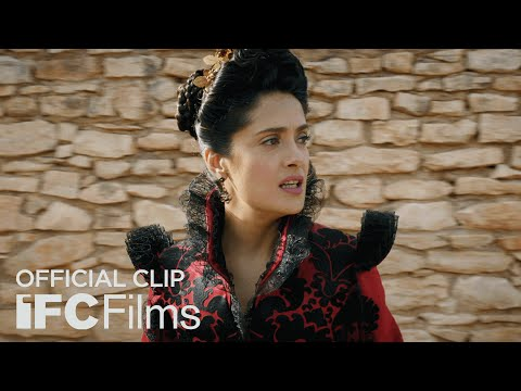 The Tale of Tales (Clip 'The Queen Is Looking')