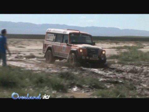 Overland 11 - Clip 4 - Test drive Iveco Massif nel fango della Mongolia
