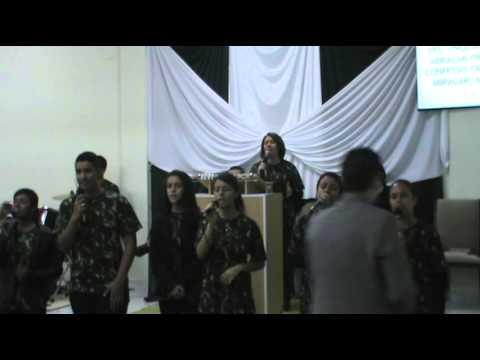 Comunidade União Cristã - CUC - Congresso de Jovens Cantando Me basta Teus Pés