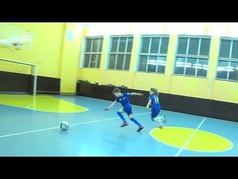 Футбол - \1 на 1\ = старшие (НЕРЕАЛЬНЫЕ ПОКАЗАТЕЛИ ЧСС ДЛЯ ПОДОБНОЙ НАГРУЗКИ В ЗАЛЕ) - DomaVideo.Ru