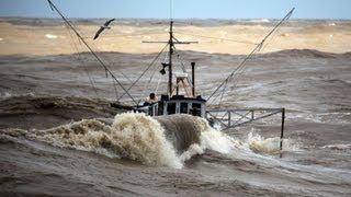 Incredible Video - Fishing Boat in Rough Sea