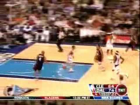 Derek Fisher and David Welsey: layup bloopers!