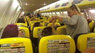 Video Ryanair flight to Alicante caused to turn back to Bristol as someone's clearly got issues MP3, 3GP, MP4, WEBM, AVI, FLV Agustus 2019