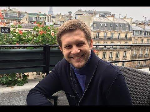 «Вам очень идёт быть папой»: актер и телеведущий Борис Корчевников стал отцом