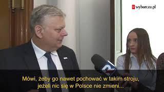 """""""Pojechał i będą go tam chować?!"""". Makabryczne żarty Marka Suskiego z Lecha Wałęsy."""