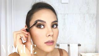 Video Catriona Gray's Miss Universe Makeup Routine | Beauty Secrets | Vogue MP3, 3GP, MP4, WEBM, AVI, FLV Mei 2019
