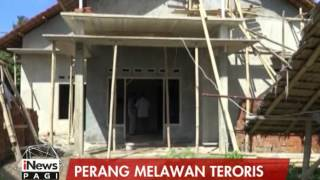Video Menyamar Sebagai Kuli Bangunan, 1 Teroris Ditangkap Anggota Densus 88 - iNews Pagi 08/06 MP3, 3GP, MP4, WEBM, AVI, FLV September 2018