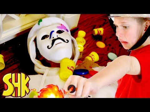 Play Doh Plight! Catching The White Hat Game Master Play-Doh Battle