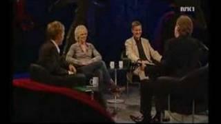 Øystein Sunde Spiller Sånn Er'e Bare På Fredrik Skavlan Show