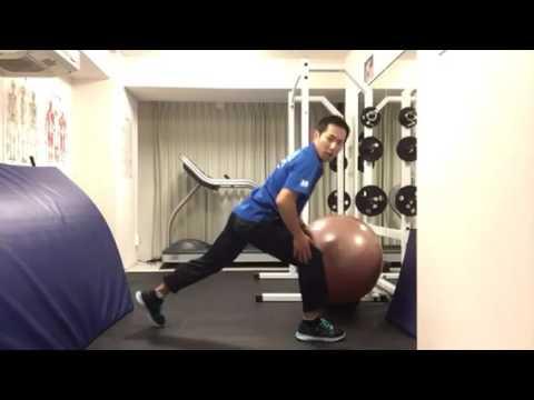 走る前に股関節に刺激を!股関節のダイナミックストレッチ