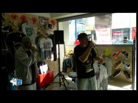 Fais toi connaitre-DAREZ - PART 1 au magasin West Coat de Lorient le 19/04/2011 (видео)