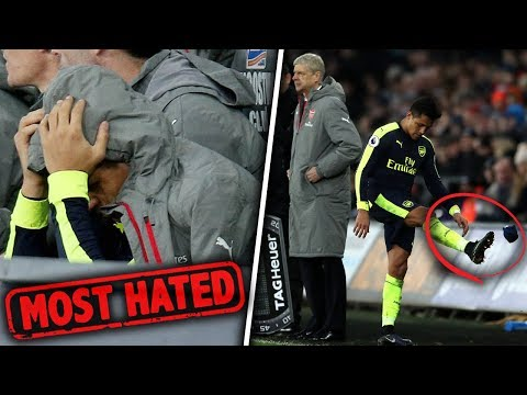 Video: 10 Players Who RUINED The Dressing Room!