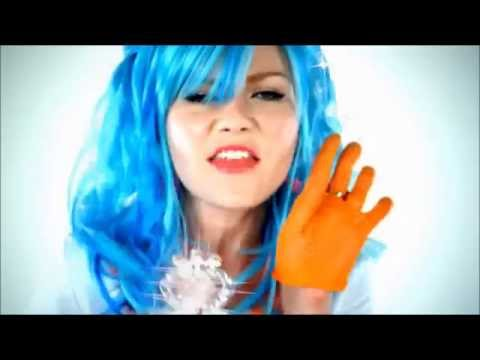 "A friendly reminder Kirsten Dunst one time did a cover of ""I think I'm turning Japanese"" by the Vapors"