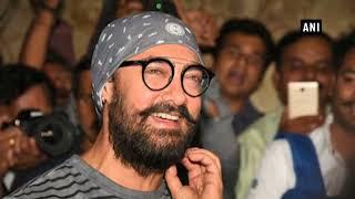 अभिनेता आमिर खान पहुंचे वडोदरा के नवरात्रि समारोह में
