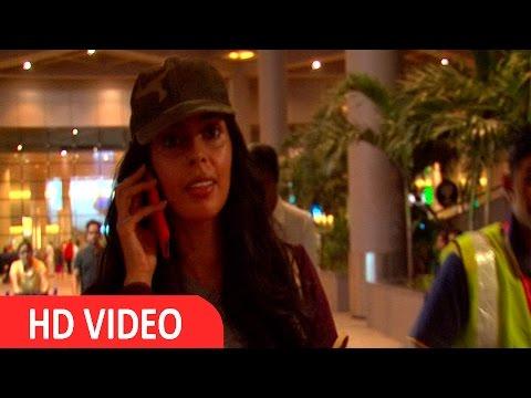 Mallika Sherawat Spotted At Airport