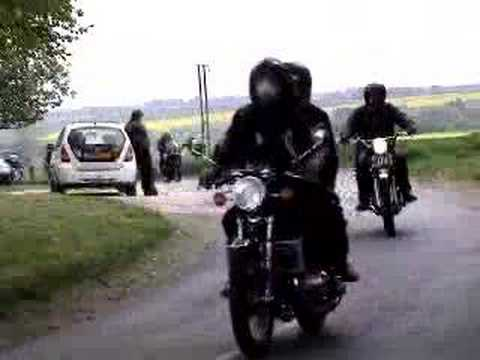 A clip from the 2007 Wold's Run, started from Horncastle, Lincolnshire.