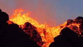 Video Piton de la Fournaise - Kalla et Pélé - Réunion 2015 - Vidéo 14 sur 15 MP3, 3GP, MP4, WEBM, AVI, FLV Februari 2019
