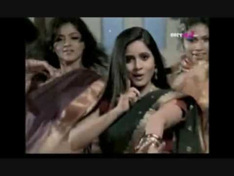 Video miss Pooja song (Kise de naal pyar) 2009 download in MP3, 3GP, MP4, WEBM, AVI, FLV January 2017