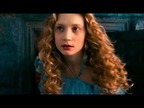 Alice In Wonderland (2010) Growth And Shrinking Scene