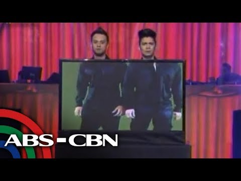 SHOWTIME - Sexy dancing duo Vhong Navarro and Billy Crawford on Tuesday showcased their dance prowess for the 3rd anniversary of