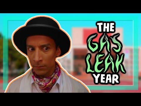 "A critique of Community Season 4 (AKA ""The Gas Leak Year"")"