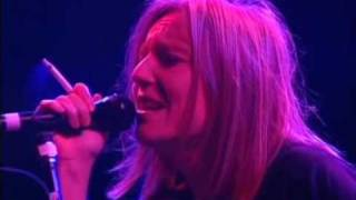 Portishead Glory Box Live - YouTube