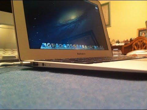 macbook air 2012 11 inch - Today I am reviewing the new mid 2012 11 inch MacBook Air! **SPECS** 128GB Flash Storage 1.7 GHz Intel i5 Processor 4GB RAM 720p HD iSight Camera 2x USB 3.0 ...