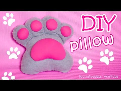 feltro - come realizzare un cuscino a forma di zampa