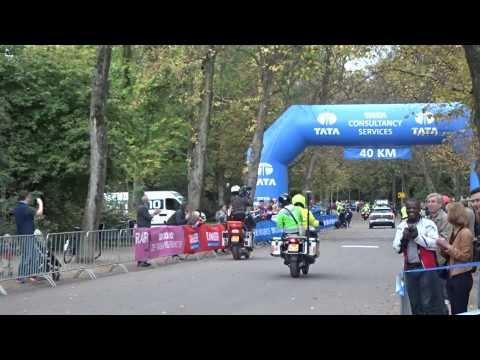 28-jarige Keniaan Bernard Kipyego wint Amsterdam Marathon