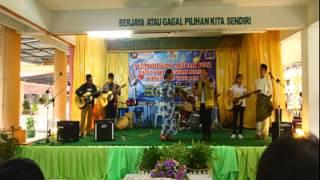 SMKLBS : Puisi dan Lagu