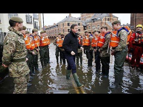 Βρετανία: Και ο στρατός στη μάχη κατά των πλημμυρών
