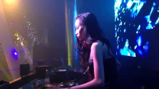DJ Linh Linh On The Mix - Tại MDM Music Club Part 2 (09/01/2014)