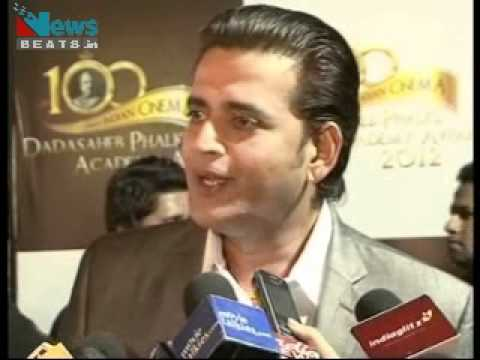 Ravi Kishan at Dadasaheb Phalke Awards 2012