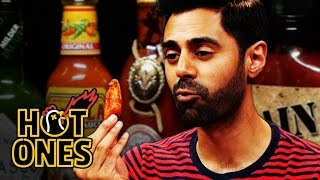 Video Hasan Minhaj Has an Out-of-Body Experience Eating Spicy Wings | Hot Ones MP3, 3GP, MP4, WEBM, AVI, FLV November 2018