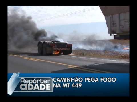 CAMINHÃO É QUASE TOTALMENTE CONSUMIDOS PELAS CHAMAS NA MT 449