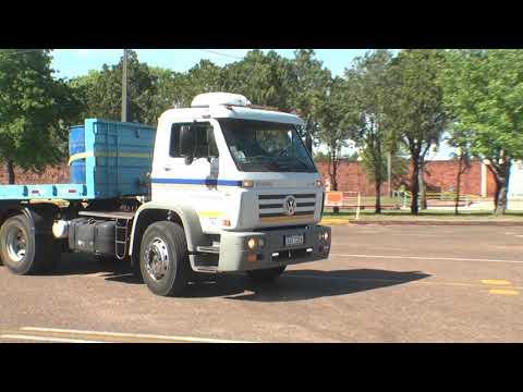 División Tránsito realizó una serie de exámenes prácticos de camiones.