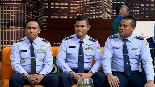 Video Pilot dan Teknisi Pesawat Kepresidenan | HITAM PUTIH (23/04/19) Part 2 MP3, 3GP, MP4, WEBM, AVI, FLV April 2019