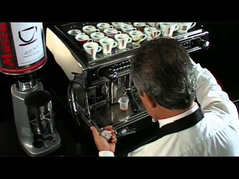 Adjusting an espresso machine – Caffé Musetti