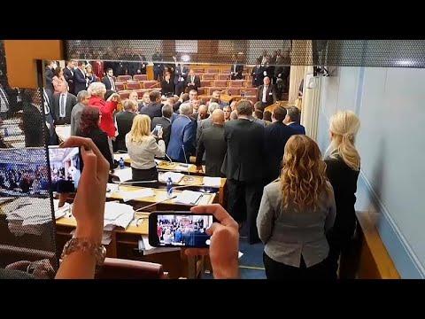 Montenegro: Tumulte im Parlament - strittiges Kirchengesetz gebilligt