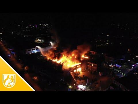 Zwei Feuerwehrleute bei Explosionen in Düsseldorf verl ...
