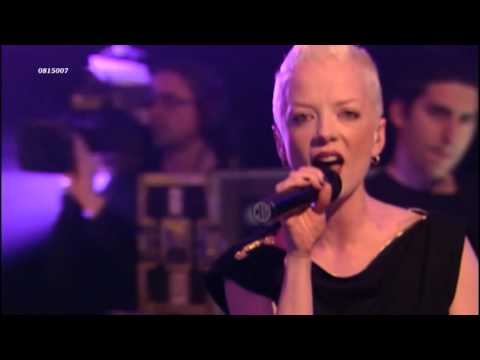 Garbage - Cherry Lips (Go Baby Go!)(live 2001) HD 0815007
