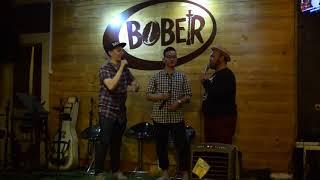 Video Putra Jokowi (Gibran Rakabuming) Standup Comedy di Bober Cafe (Opening MARKOBAR Bandung) MP3, 3GP, MP4, WEBM, AVI, FLV Februari 2018