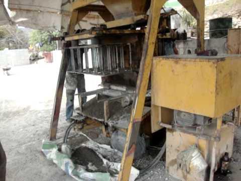 maquinaria para hacer blocks - maquina hidráulica AB 3000 semimanual.