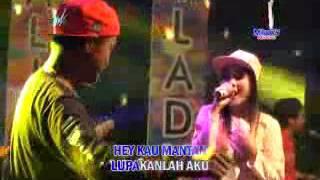 Nella Kharisma feat. Bayu G2B - Kepoin Mantan  [OFFICIAL]