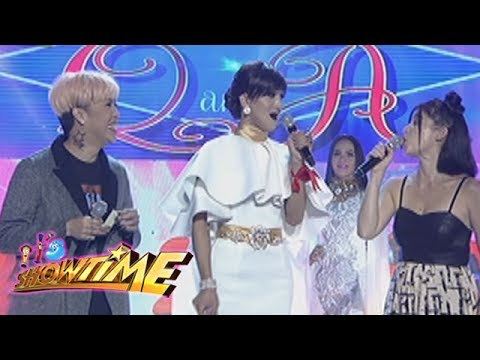 It's Showtime Miss Q and A: Wit Lang!